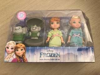 🚚 Disney Frozen Petite Surprise Trolls Set