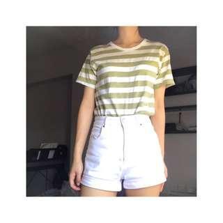 🚚 Thrifted green shirt