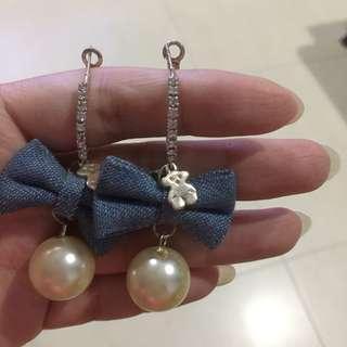 🚚 Korean Pearl Ribbon Bear Earrings