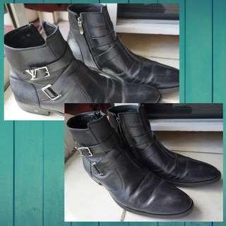 Sepatu louis Vuitton size 42 boots black