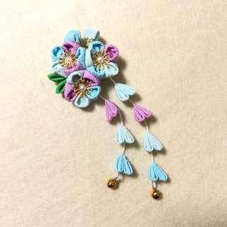 手作 粉藍粉紫色三花配綠葉 雙流蘇鈴鐺 和風髮夾🌸