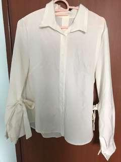 🚚 White Blouse