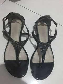 Sepatu sandal Vincci