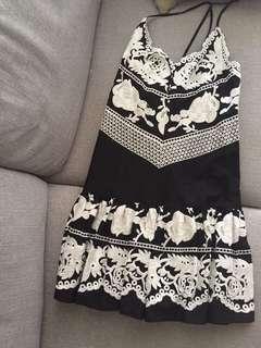🚚 Aijek dress