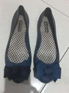 Sepatu Jelly Flat Neo far be