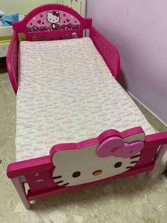 Hello Kitty toddler bed with Babysafe mattress
