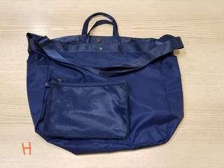 🚚 尼龍防水大容量手提肩背兩用包包(深藍)