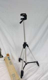 🚚 SLIK High quality and light weight tripod