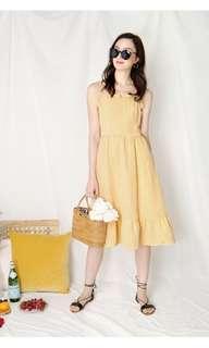 🚚 AWD Harmony Ribbon Tie Back Dress in Yellow Gingham