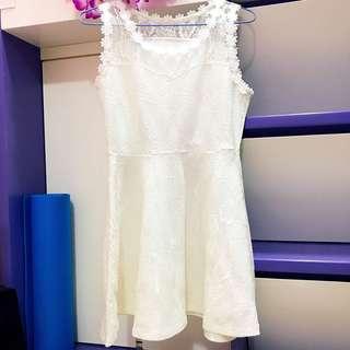 白色斯文連身裙