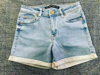 Hotpants second