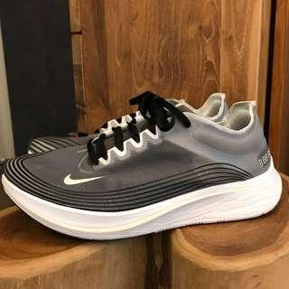 🚚 Nike zoom fly sp us10