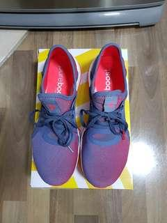 Pure boost US8.5/UK7女裝