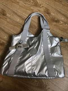 🚚 Kipling Silver Shoulder Bag