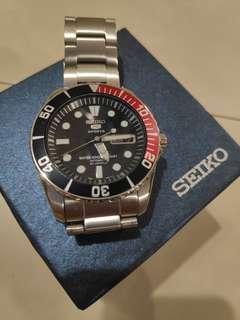 🚚 Seiko SNZF15K1 automatic watch