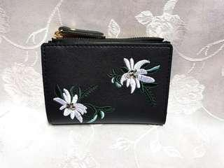 🆕️ Floral Embroidery Purse (Black)