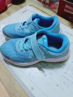 🚚 二手優品正品公司貨Nike 童鞋約8-8.5成新 13C/19cm