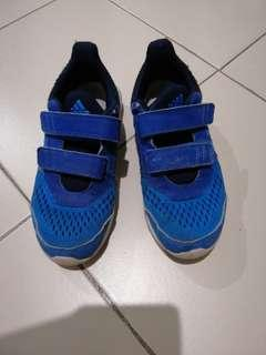 Authentic Adidas children running shoe