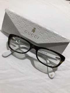 Girls used Authentic Gucci glasses