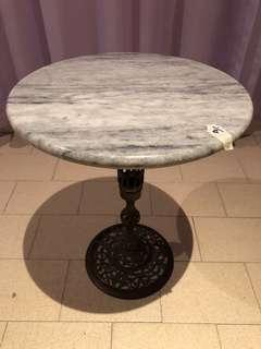 🚚 Marble Round Table