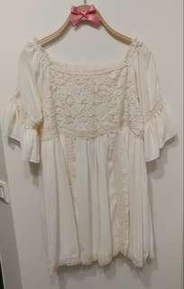 正韓 鏤空 雕花蕾絲 宮廷花朵 法式甜美 娃娃雪紡上衣 寬鬆內襯 打底 小洋裝 甜美貴氣 氣質款 白色