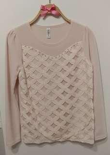 全新 正韓  雕花蕾絲 宮廷花朵 法式甜美  珍珠 上衣 打底 甜美貴氣 氣質款 裸粉色