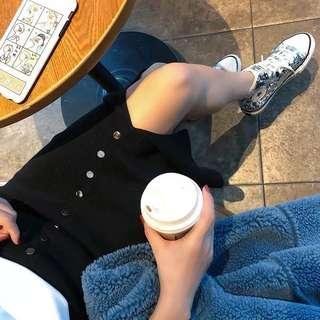 Free sized black midi skirt