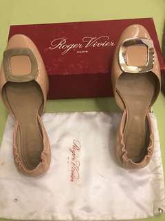 1e10a1edc90b Authentic Roger Vivier Nude flats with dustbag and Box SIZE 9 RUSH SALE