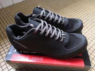 Louis Garneau Urban Shoes