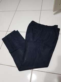 "Celana panjang Uniqlo ""Kando"""