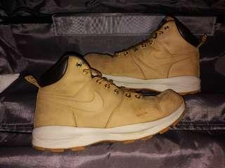 Nike ACG Manoa Boots, US10.5/44.5/28.5cm. Second!