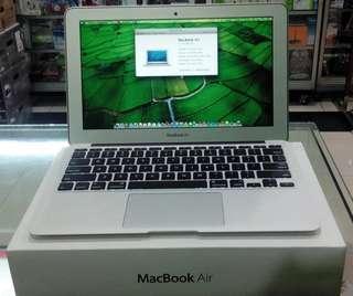 promo Apple MacBook Air MD224ZA