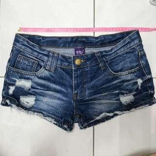 Jeans shorts with fashionable patch #sparkjoychallenge
