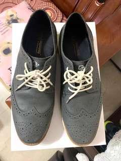 🚚 D7百貨鞋,原價近3000穿沒幾次10號男鞋28公分腳長,2000,意者可議