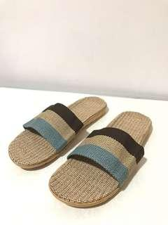 🚚 Bamboo Slippers