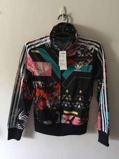 Adidas女生外套