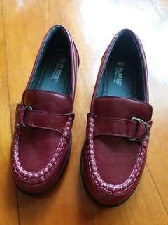 舒適防滑鞋