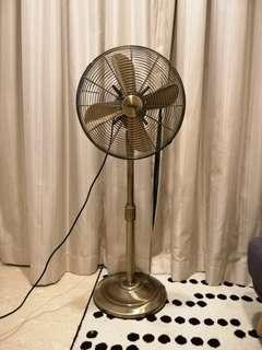 🚚 Mistral metal slide fan 14""