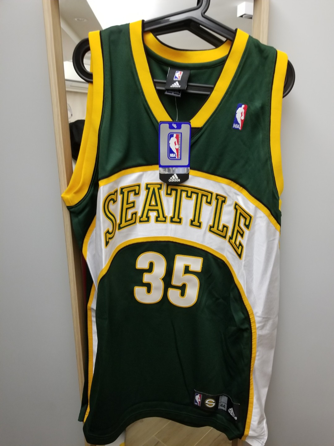 official photos 6ed35 4bdf5 Brand new Adidas Super Sonics Durant authentic jersey size 44
