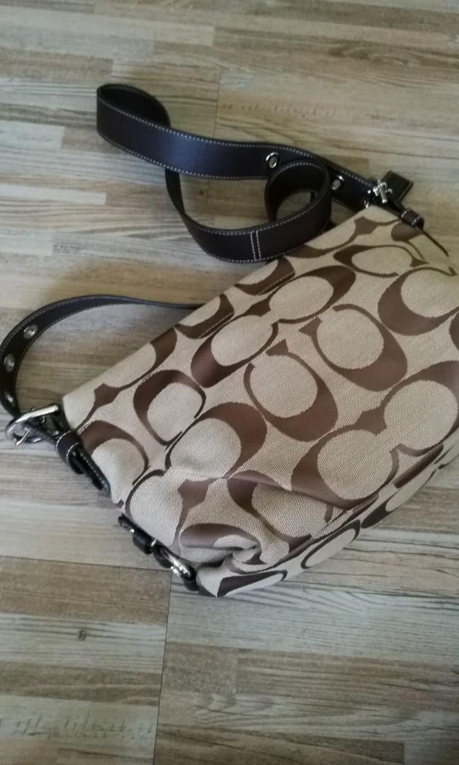Coach hand bag - Brown with printing