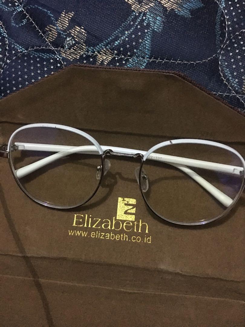 Elizabeth kacamata