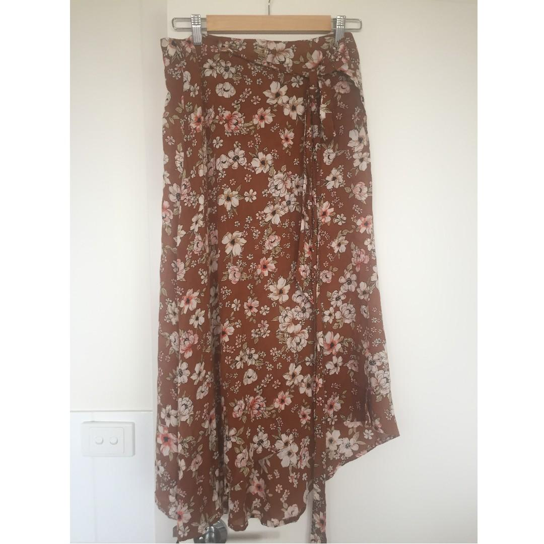 Faithfull the brand Caribe Wrap Skirt in Cecile Rose Print - size  10