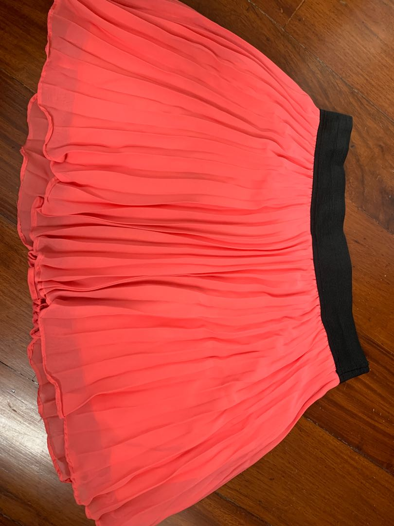 ef8a54e68f Forever21 Coral pleated mini skirt, Women's Fashion, Clothes ...