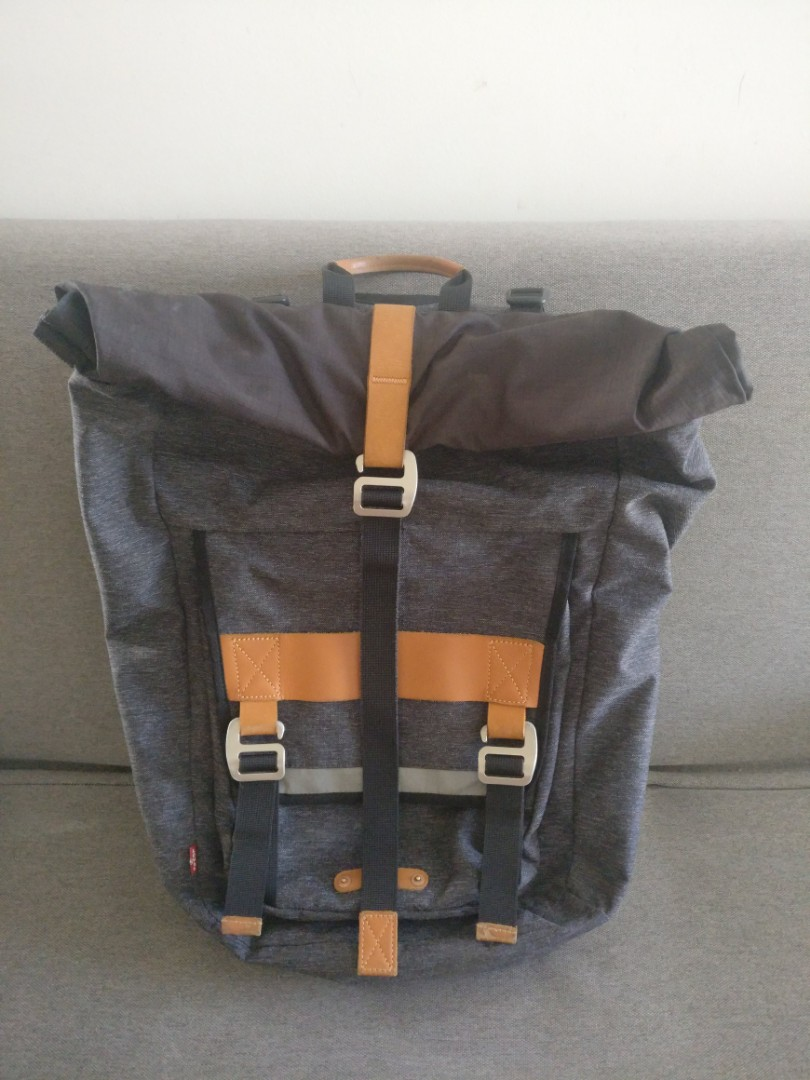 ae3319cc4b6 Levi's Commuter Roll Backpack, Men's Fashion, Bags & Wallets ...