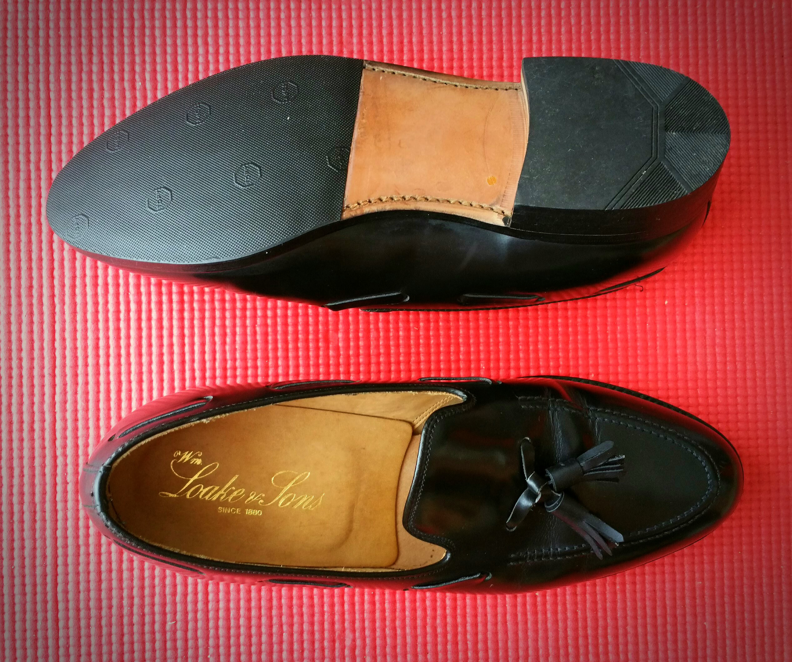 303b77de087 LOAKE   SONS LEATHER LOAFER
