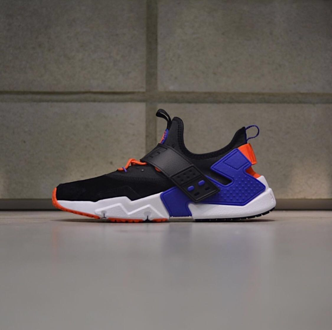 5691cb37687b Men s Nike Air Huarache Drift Premium