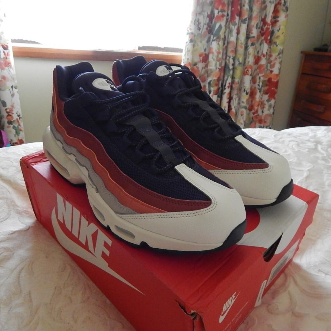 Nike Air Max 95 Essential Mens shoes, size 11 US, brand new in box