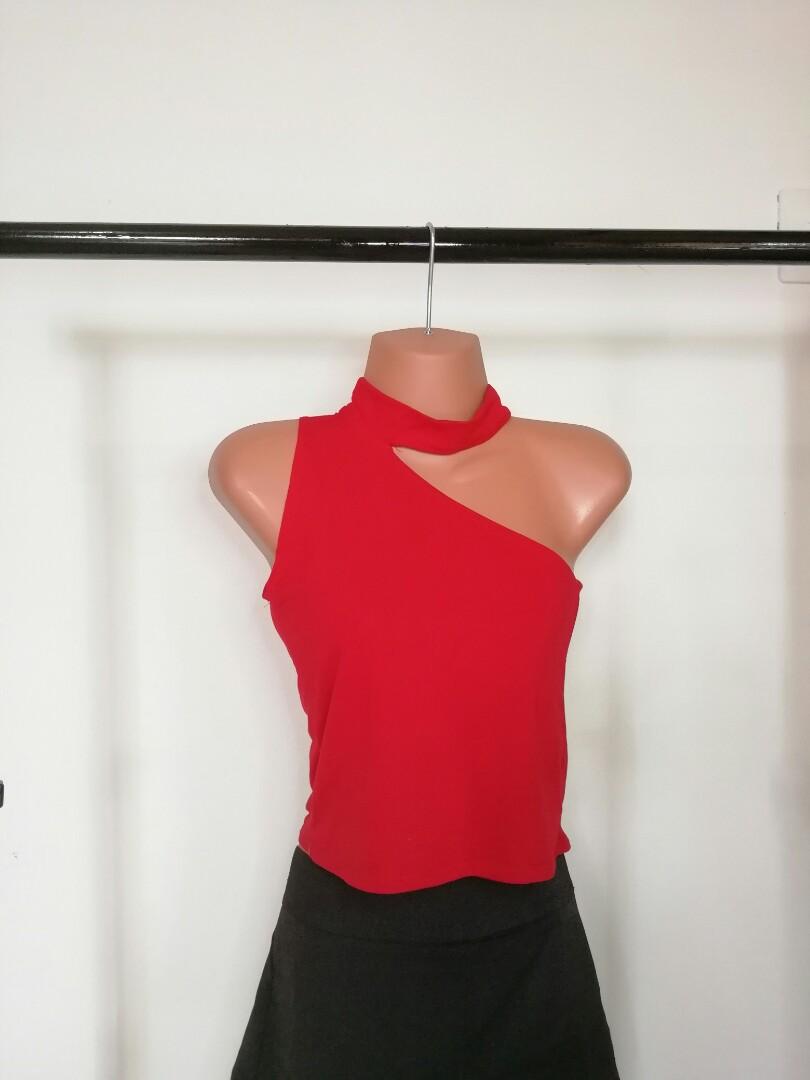 d2acf16f307aa One shoulder choker crop top