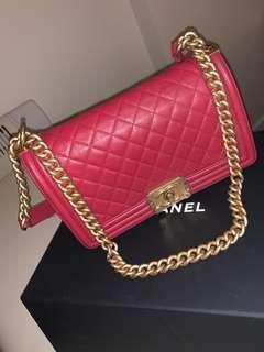 Chanel red medium boy 25 cm