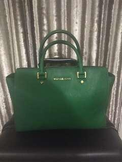 Flash sale Michael Kors Selma Large
